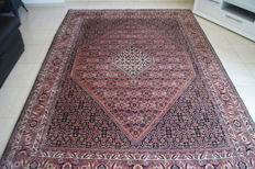 A hand-knotted Persian BIDJAR rug, 293 x 202 cm, Iran, from about 1990, in perfect condition.