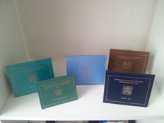 "Vatican - year packs 2011, 2012, 20013 and 2014 + 2 euro 2010 ""Priest year"""
