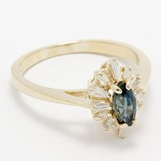 14kt Yellow Gold Ring  Set with 0.25 ct Diamonds and 0.25 ct Sapphire  Size: 8