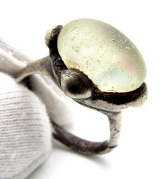 Saxon Era Silver ring with White gem inserted in bezel - 18mm
