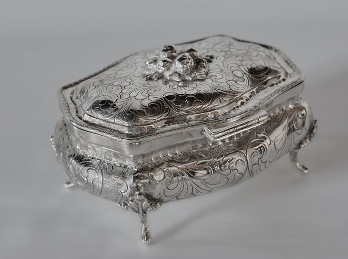 Silver jewellery box, Italy, 20th century
