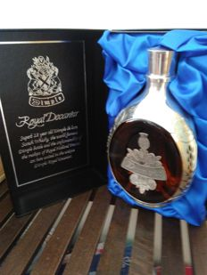 Dimple royal decanter haig's