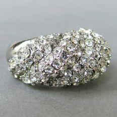 Vintage (1970s) - Hallmarked - Silver tone Rhodium plated Diamante pave Dome Ring