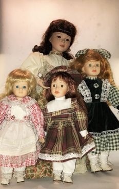 4 Beautiful porcelain dolls, The Netherlands