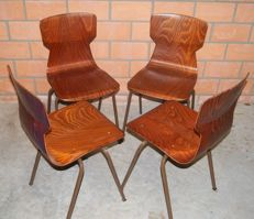 Eromes Wijchen – 4 industrial school chairs