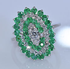 Emeralds, and Diamonds, designer ring - No reserve price!
