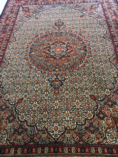 Gorgeous original hand-knotted Persian Moud rug with plant-based dyes! Approx. 200 x 310 - in very good condition