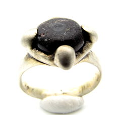 Early Medieval Silver Ring with Black Gem Inserted in Bezel - 18mm
