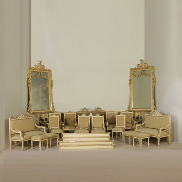A complete set of living room furniture in Neoclassical style (24 pieces) -  Italy - late 19th / early 20th century - Catawiki