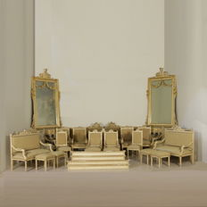 A complete set of living room furniture in Neoclassical style (24 pieces) - Italy - late 19th / early 20th century