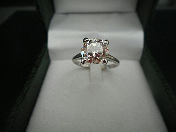 Engagement ring with 2.12 ct diamond HRD – Ring size 52