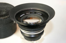Nikkor 1:4 f=18mm + leather case CL-28