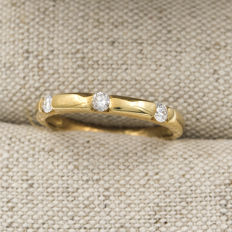 Cocktail ring –18 kt/750 yellow gold – Diamonds – Inner ring diameter: 16.90 mm – Ring size: 13 (Spain)