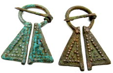 Very Fine Pair of 2 Viking Penannular Omega Brooches - 56-59 mm (2)