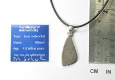 Pendant with meteorite Gibeon / 925 Sterling Silver - 33.2 mm x 14.5 mm x 3.4 mm