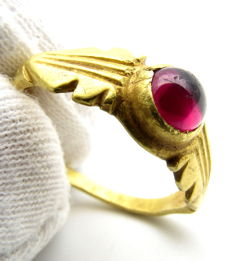 Ancient Roman Gold Ring  with Amethyst stone - 17 mm