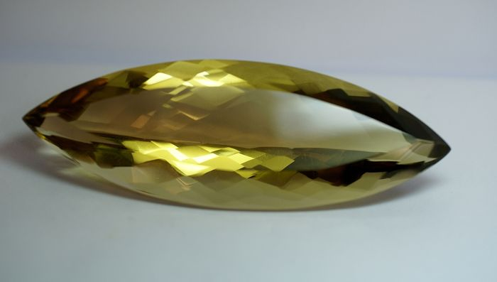 Citrine,  brownish- yellow,   336.72ct