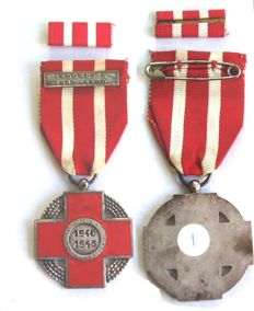 Lot of Red Cross medals