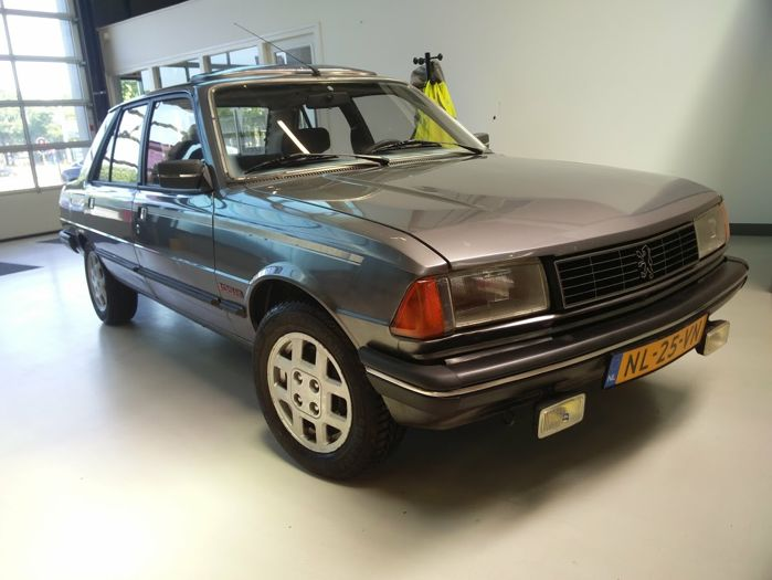 Unique Peugeot 305 1.9 GTX - Original NL -1985