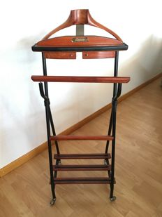 Patented by Paris – Valet stand, includes two drawers