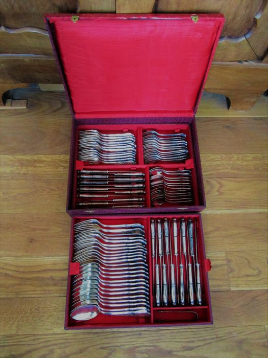 Silver-plated cutlery - 85 pieces - in the original flatware cutlery box
