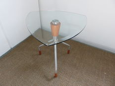 Stallion Design - Triangular table ambulante, Sfarzo collection, 'Trio' model