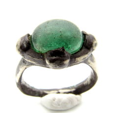 Medieval Silver ring with green gem inserted in bezel - 18mm