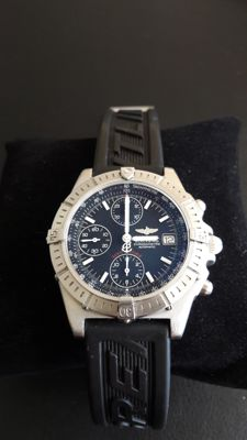 Breitling Blackbird  Ref. A13353 --  Men's watch --  2010's