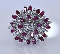 4.03 ct Rubies and Diamonds floral ring - No reserve price!