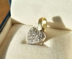1970 gold pendant with natural diamonds