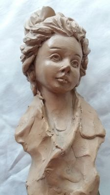 Ceramic sculpture of a young girl, signed by Paoletti