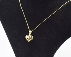 14 carat yellow gold chain with heart  pendant  - 45 cm
