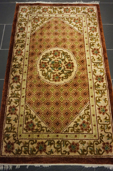 Magnificent handwoven orient silk palace carpet, China, silk, Art Deco 95 x 155 cm, made in China