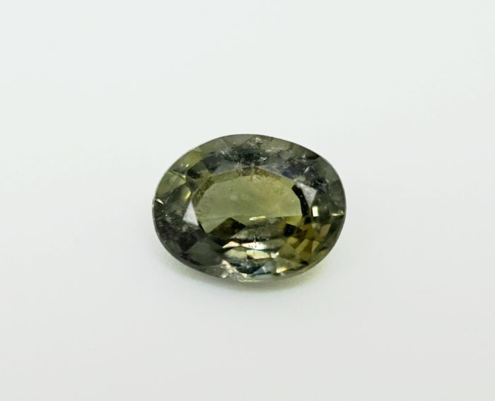 Green Sapphire - 1.71 ct  NO RESERVE PRICE