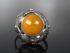"""Antique """"fischland"""" silver vintage ring with butterscotch amber"""