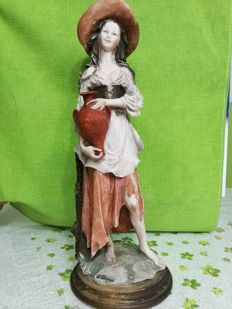 Gorgeous figurine made of porcelain from Capodimonte by the artist Giuseppe Armani
