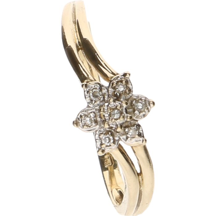 14 kt Yellow gold ring set with 7 brilliant cut diamonds, approx. 0.005 ct each – ring size: 17.25 mm