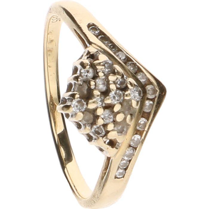 14 kt Yellow gold ring set with 27 brilliant cut diamonds, approx. 0.20 ct in total – Ring size: 17 mm