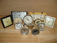 Alarm clock - Lot with 12 vintage mechanical alarm clocks - various brands