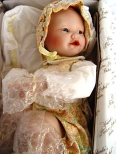 Ashton Drake Galleries - Yolanda Bello's Picture Perfect Babies Lisa Doll