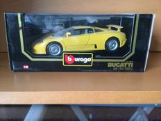 Bburago - Scale 1/18 - Lot with 8 Models: 4 x Lamborghini and 3 x Bugatti and 1 x Lancia