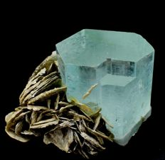 Undamaged & Double Terminated Collection Piece Sky Bue Aquamarine Crystal With Muscovite - 52 x 74 x 54 mm - 248 gm