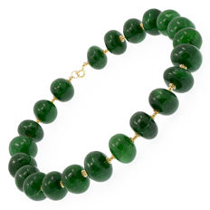 18kt/750 yellow gold necklace with emeralds – Length 46 cm.