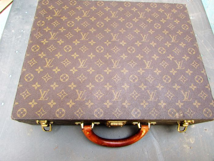 d0ca16e6c0 Louis Vuitton – President briefcase/suitcase – Vintage from the 1990s –  Collector's piece