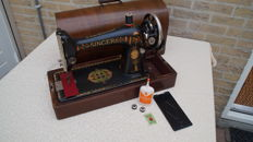 Singer sewing machine from 1924 type 66 k