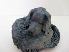 Liz Hansen - Unique 'Slapend hondje' (sleeping dog) sculpture