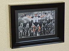 Marcel Kittel - 5-time stage winner Tour de France 2017 - hand-autographed framed photo + COA.