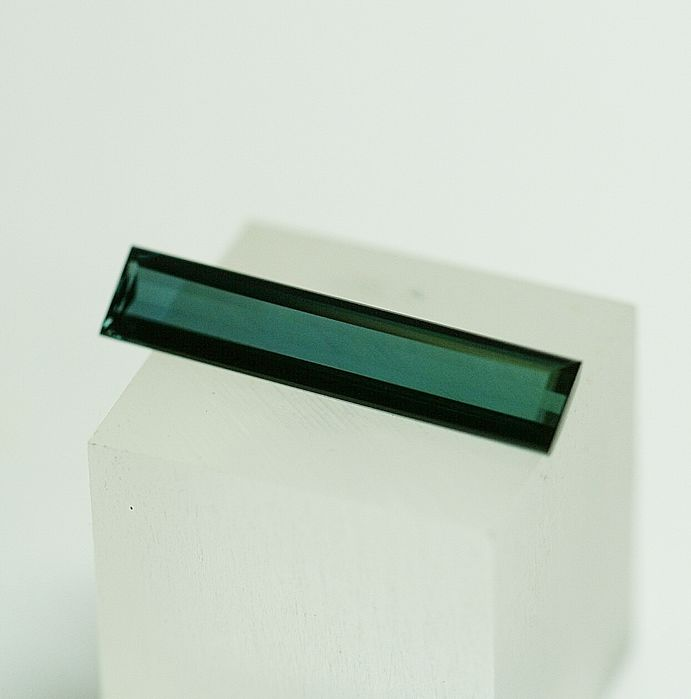Indicolite (Tourmaline) , greenish-blue  3.57 ct