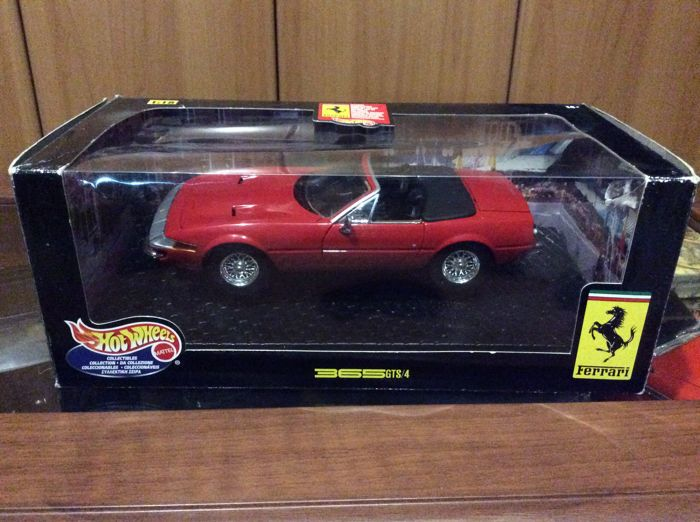 Hot Wheels / Norev - Scale 1/18 - Lot with 3 models: Ferrari 365 GTS/4 Daytona Spider, Citroen SM Coupé & Ford Expedition Eddie Bauer.