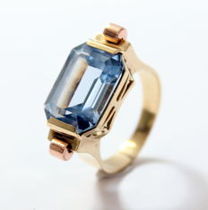14 kt gold Art Deco style ring with Aquamarine 14 x 10 mm